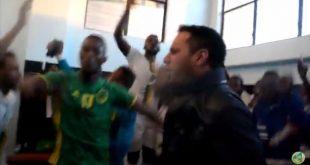 لقطات من اختفال رئيس الاتحادية مع اللاعيبن  في غرفة الملابس بعد فوز موريتانيا 1 :0 على بتسوانا